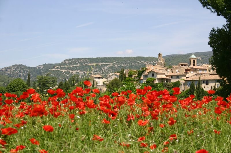 Visual of the village of Lourmarin